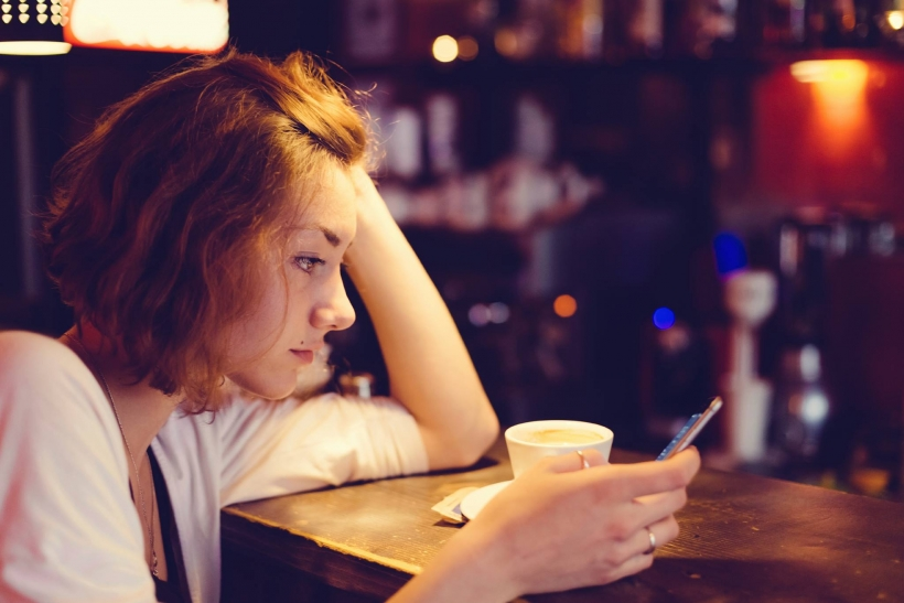 Online για ώρα και απάντηση καμία