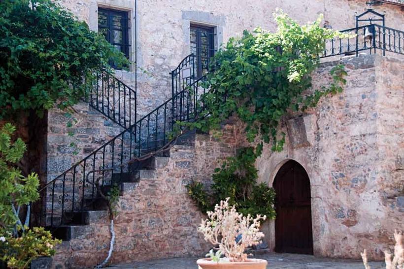 Καλοκαίρι στην Ελλάδα σημαίνει πανηγύρια σε χωριά
