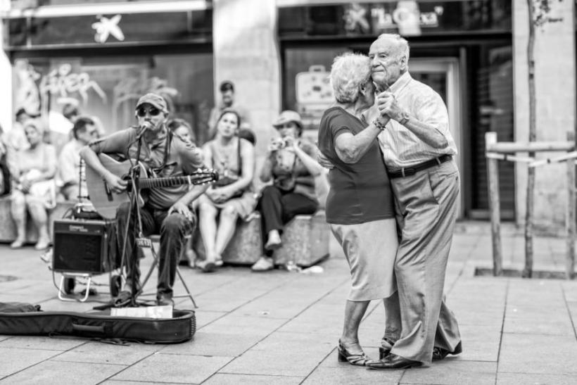 Αγάπη είναι να έχεις μοιραστεί μια ζωή με τον άλλον και να μην τον έχεις βαρεθεί