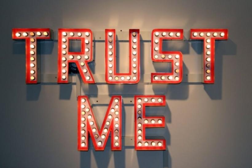 να βγαίνω με κάποιον με προβλήματα εμπιστοσύνης