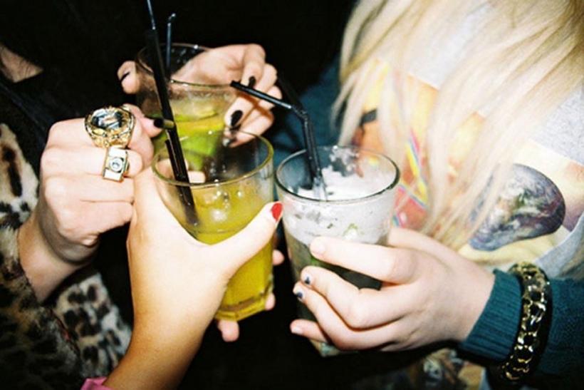 Τα καλύτερα μεθύσια τα κάναμε με τις φίλες μας