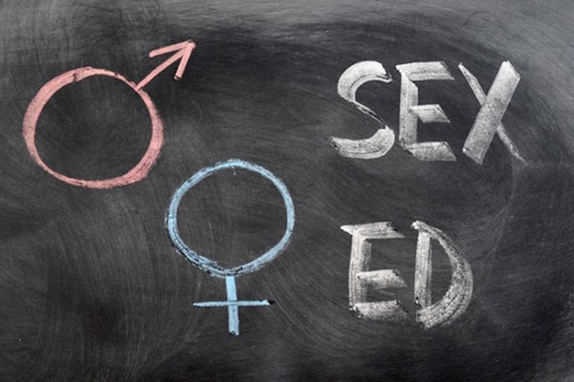 Βάλτε επιτέλους το μάθημα της σεξουαλικής αγωγής στα σχολεία