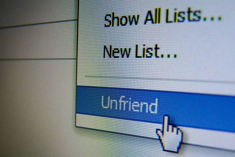 Διαγράφεις τους πρώην έρωτες απ'τα social media;