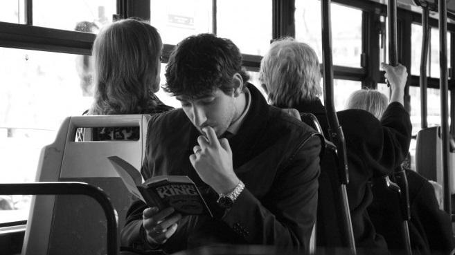 Βιβλιοφάγοι στα μέσα μεταφοράς