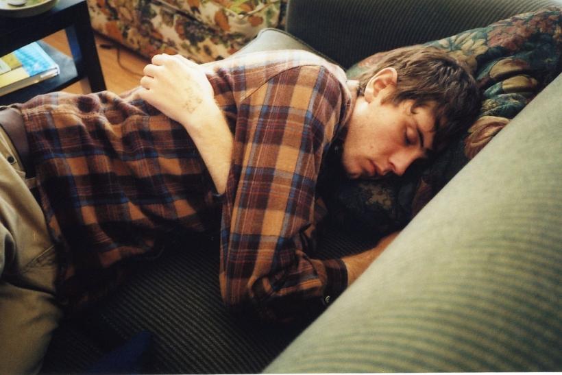 Χθες μόλις έκλεισες τα μάτια σου και κοιμήθηκες, σ' ερωτεύτηκα