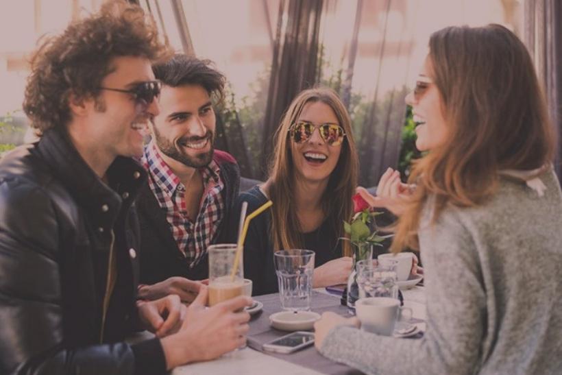 Διπλά ραντεβού για χατίρι φίλων