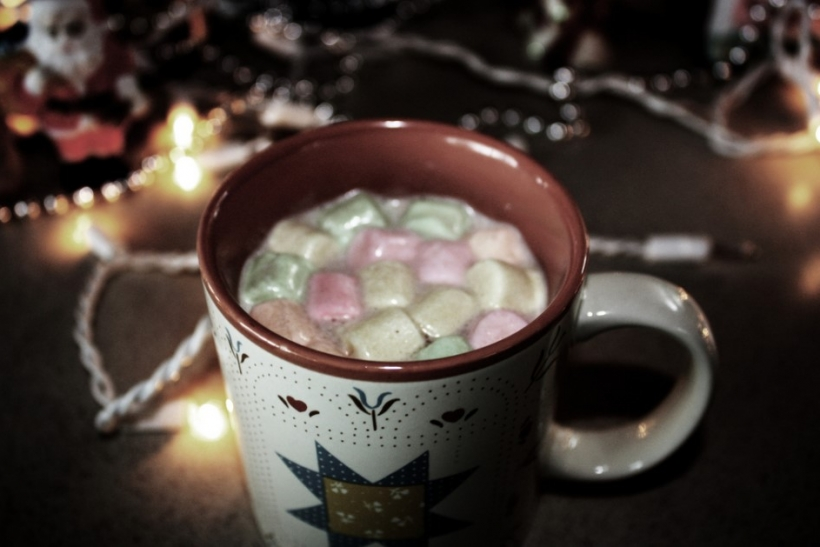 Ο χειμώνας θέλει φίλους, ζεστή σοκολάτα και ταινίες