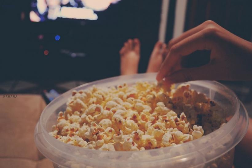 Οι βραδιές ταινίας είναι η τέλεια ευκαιρία για γουρουνιάσματα