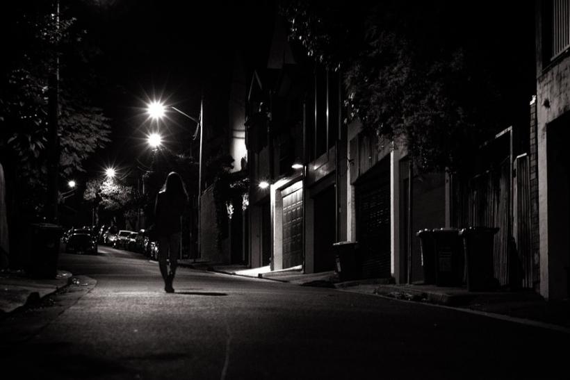 Περπάτα νύχτα στην πόλη σου και καθάρισε το μυαλό και την ψυχή σου