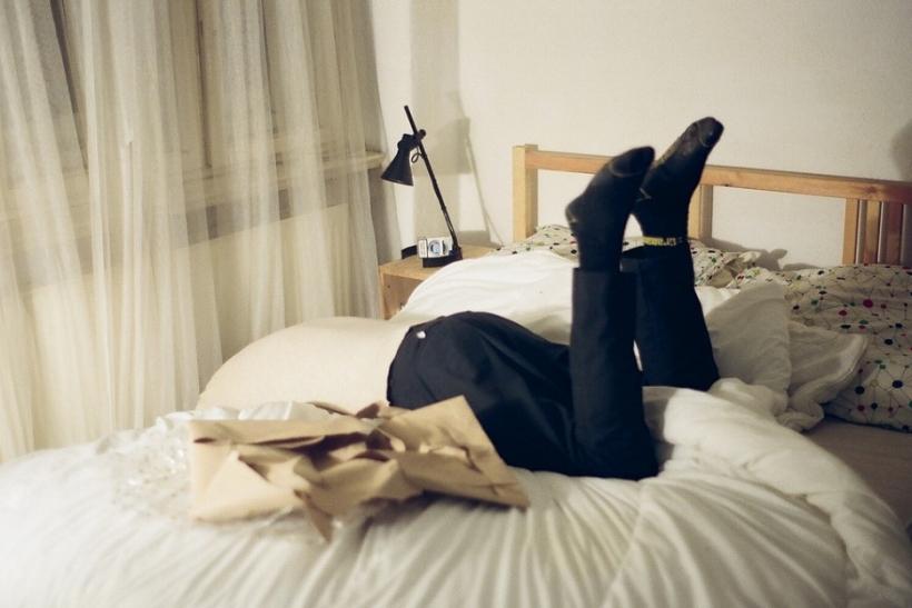 Ευτυχία είναι η βουτιά ανακούφισης στο κρεβάτι μετά από μια δύσκολη μέρα