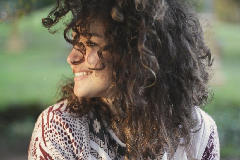 Η πιο όμορφη γυναίκα είναι αυτή που χαμογελάει