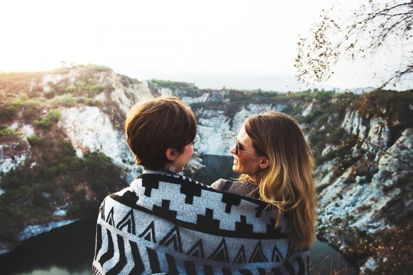 Οι ενήλικες φιλίες είναι πιο αληθινές