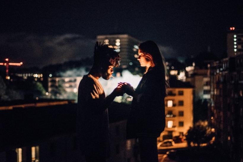 Σημασία έχει να είσαι με κάποιον αλλά να νιώθεις ελεύθερος