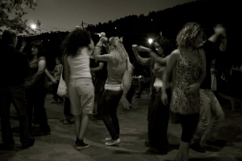 Αν δεν πας έστω σ' ένα πανηγύρι δεν ξέρεις τι θα πει ελληνικό καλοκαίρι!