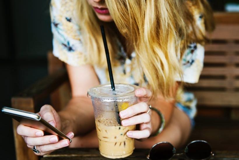 Όταν σταματήσεις να ψάχνεις wifi θα συνδεθείς με την πραγματική ζωή