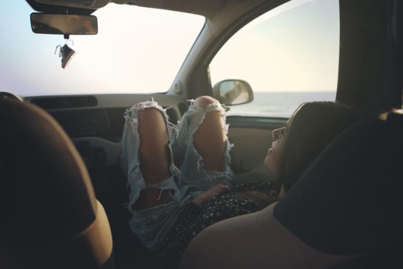 Οι αληθινοί καλοκαιρινοί έρωτες έγιναν όμορφες σχέσεις από απόσταση