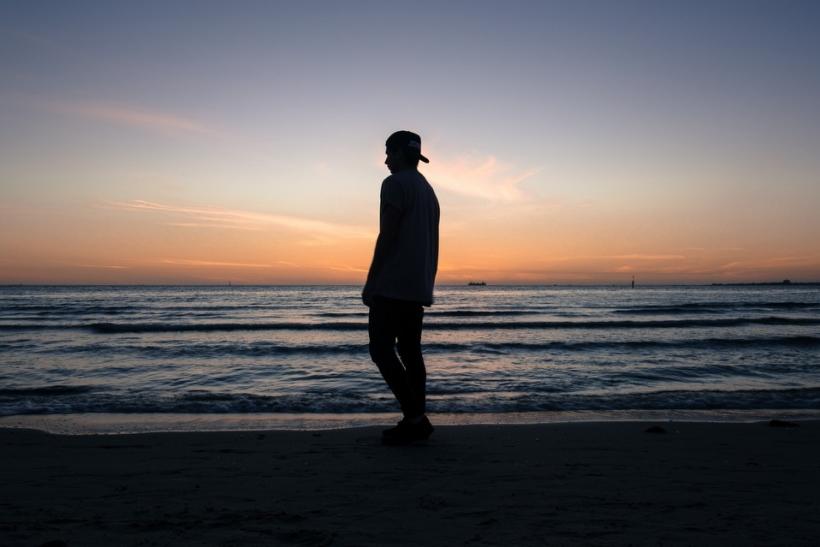Ξεκίνα να περπατάς κατά μήκος των ακτών γιατί το καλοκαίρι τελειώνει