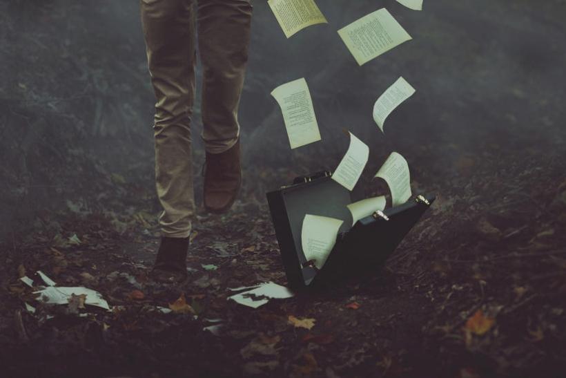 Ζούμε βάσει σεναρίου που εμείς οι ίδιοι γράφουμε
