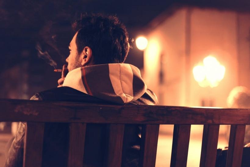Πόση μοναξιά χωράει στις νύχτες;