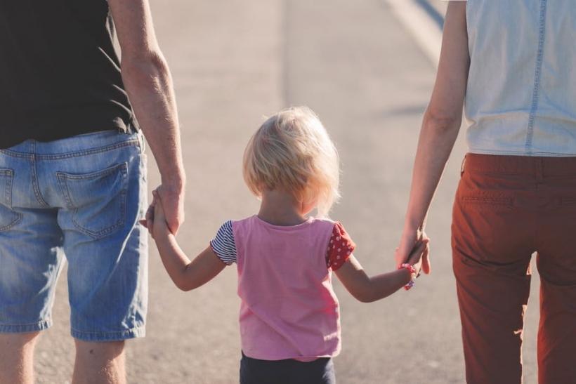 Σημαντική η στιγμή που γνωρίζεις το παιδί του συντρόφου σου