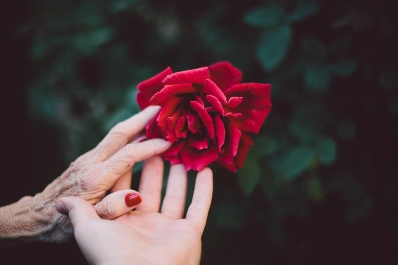 Να περνάς με τη γιαγιά σου όσο περισσότερο χρόνο μπορείς
