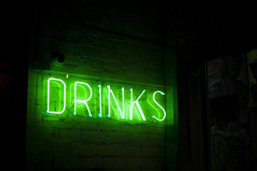Οι μεθυσμένες ιστορίες δένουν τις παρέες