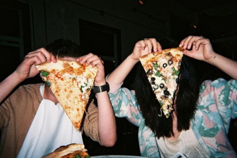 Βραδιές με ταινίες, φαγητό κι ένα χαμόγελο δίπλα μας
