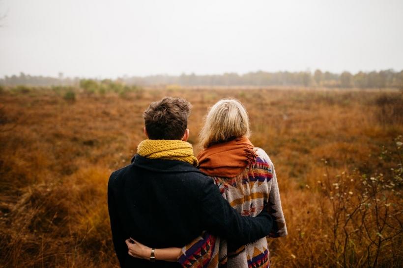 Αποτέλεσμα εικόνας για Όσο μεγαλώνουμε εκτιμάμε κι αναζητάμε άλλα πράγματα στις σχέσεις