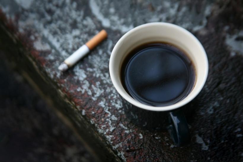 Είσαι η λαχτάρα μου, ο καφές και τα τσιγάρα μου