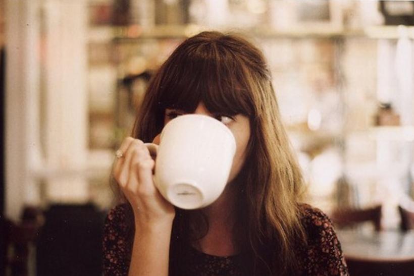 Στον δεύτερο καφέ αρχίζουμε να ξυπνάμε