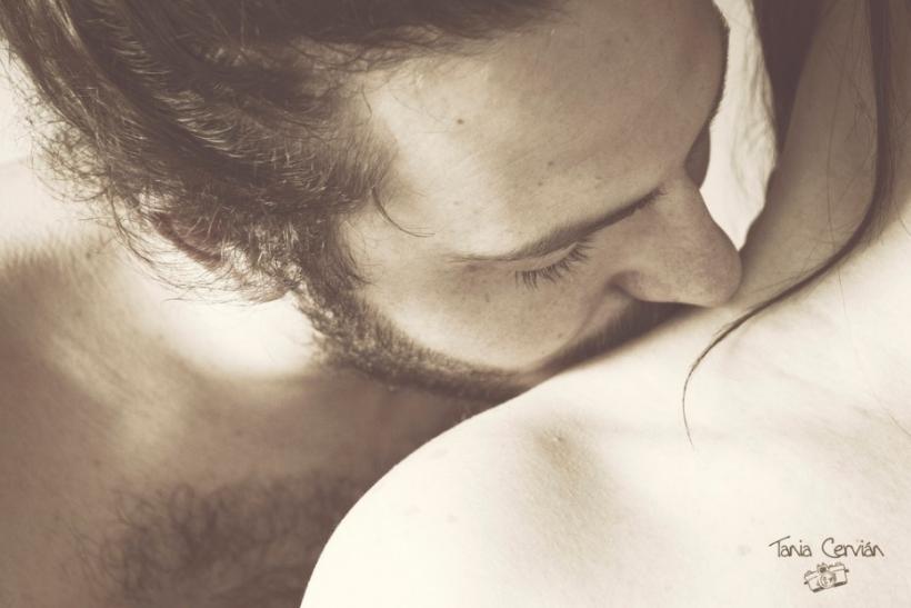 Τα φιλιά στο λαιμό είναι τα πιο ερωτικά