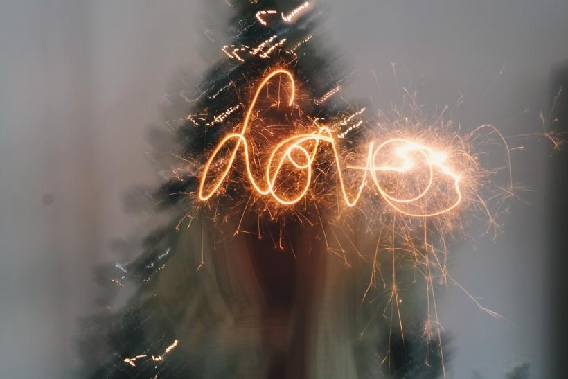 Ο έρωτας είναι η μαγεία των Χριστουγέννων (Μέρος Α')