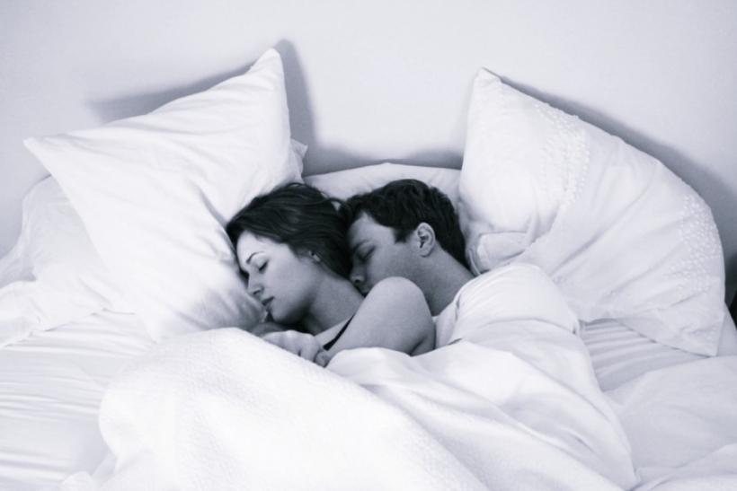 Ο ύπνος αγκαλιά είναι ο καλύτερος