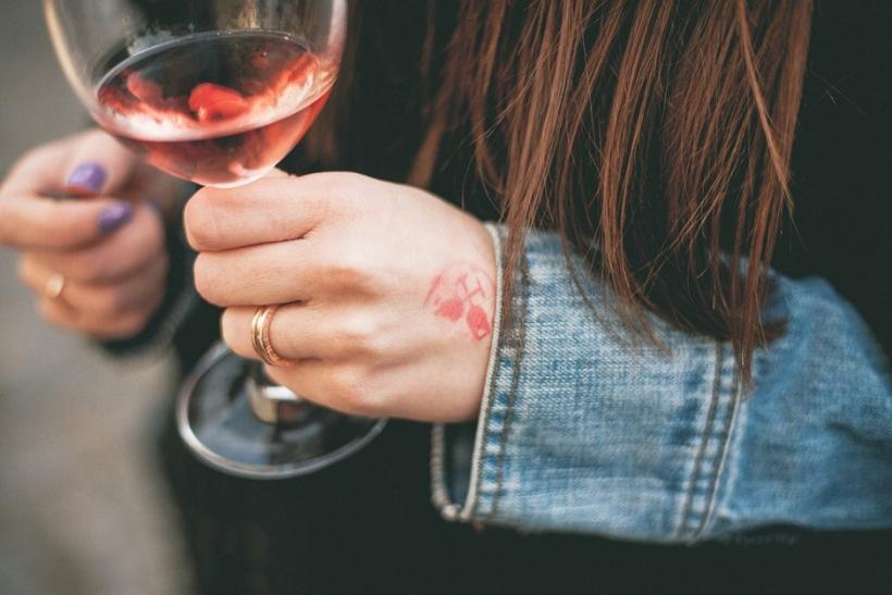 Με λίγο κρασί όλα φαίνονται καλύτερα