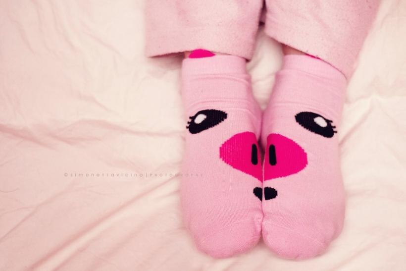 Φοράμε τρελά σχέδια σε κάλτσες και καμαρώνουμε γι' αυτό