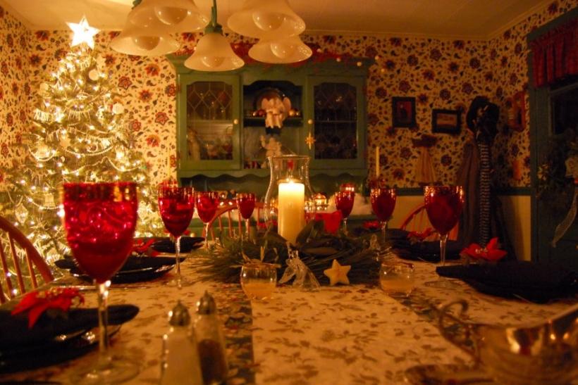 Στα γιορτινά τραπέζια καθόμαστε με τους μικρούς!