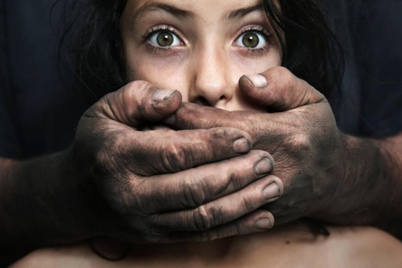 Μη μένεις άλλο σιωπηλός απέναντι στη βία