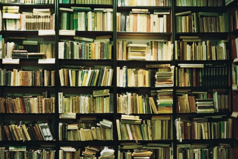 Εξεταστική σημαίνει 300 σελίδες ύλη σε μία νύχτα
