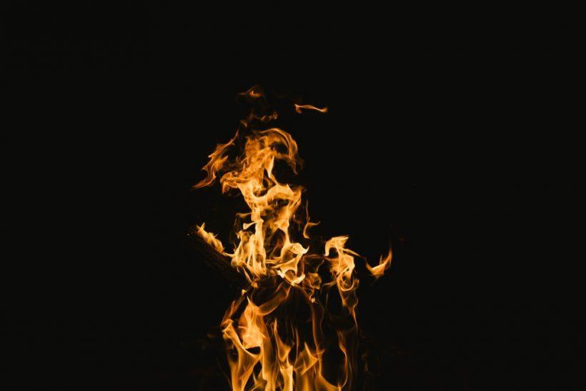 Δεν είναι ανάγκη να ξέρει ότι σε καίει