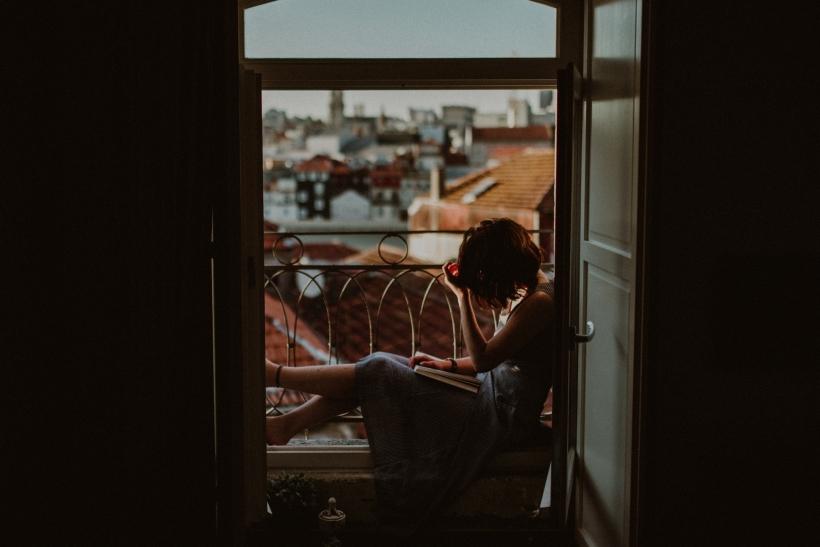 Σε κάποιο μπαλκόνι σε περιμένει η αγάπη