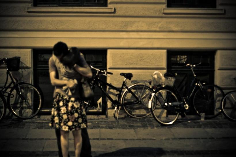 Να περπατάμε αγκαλιά στην πόλη