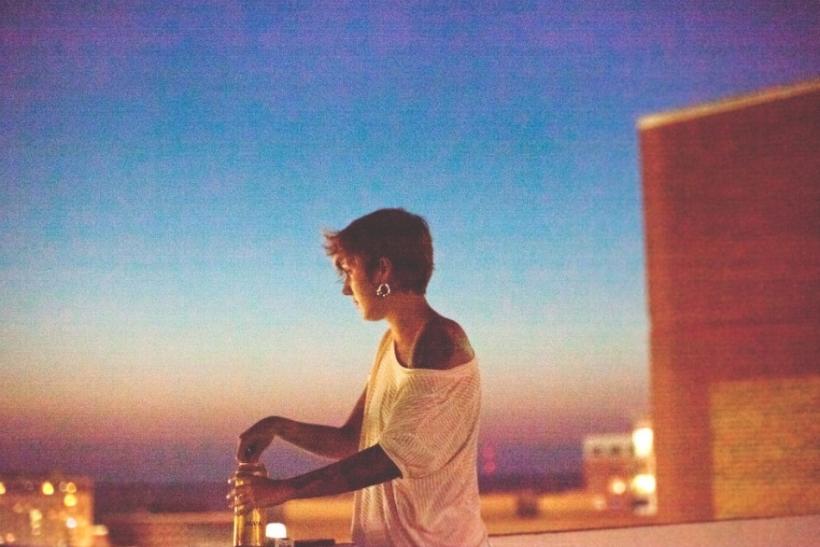 Άνοιξε ο καιρός και τα βράδια τα περνάμε με φίλους στα μπαλκόνια