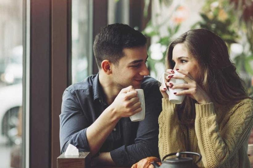 μάτια που πιάνουν φράσεις για dating dating παιχνίδια προσομοίωσης Android δωρεάν