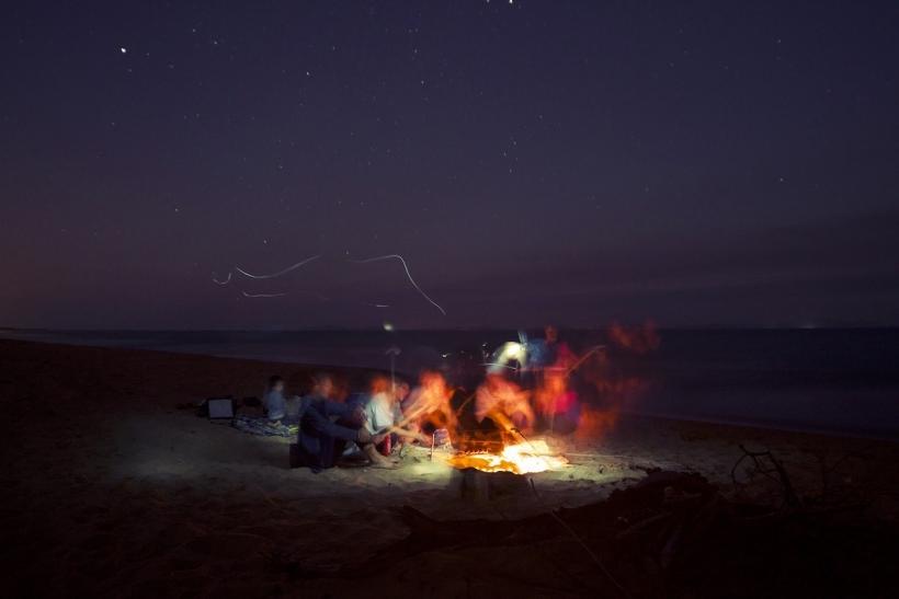 Μου λείπουν τα βράδια μας στη θάλασσα