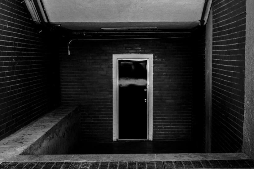 Κλείνουμε πόρτες αθόρυβα ή κάνοντας φασαρία;