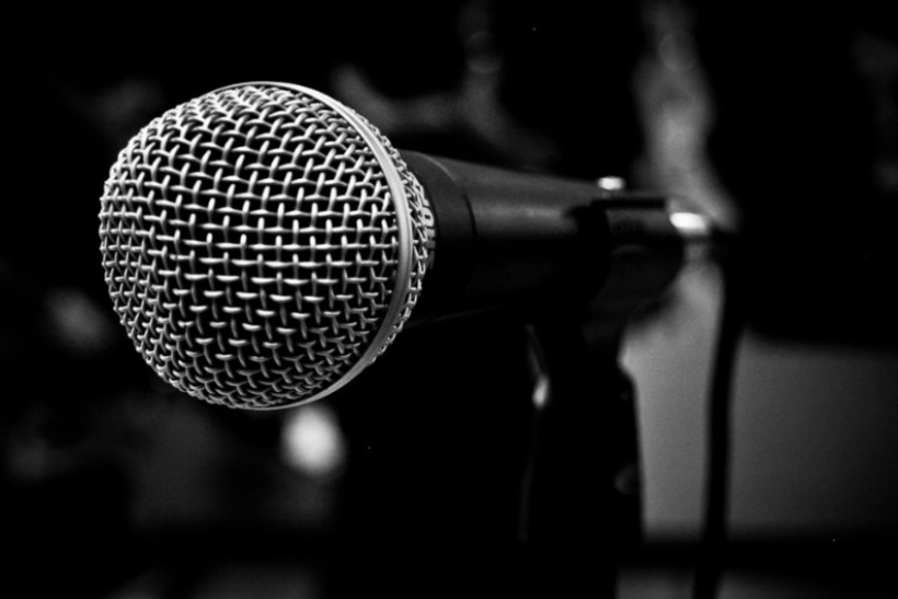 Οι μεγάλες φωνές γεννιούνται στα καραόκε