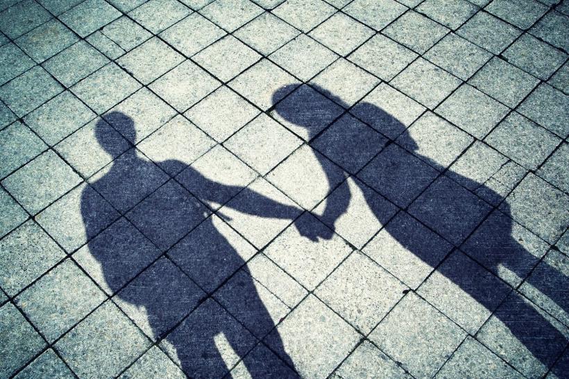Μέχρι οι δύο σκιές να γίνουν μία