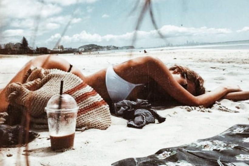 Λίγο κρασί, λίγο θάλασσα κι η πάρτη σου