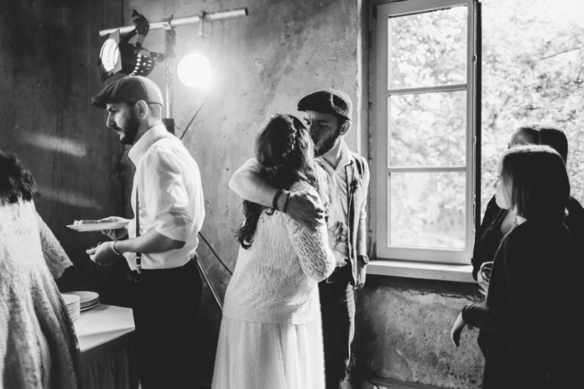 Οι καλύτερες γνωριμίες γίνονται σε γάμους
