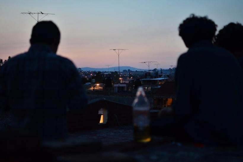 Τα προβλήματα τα λύνει το ζευγάρι, όχι τα συμβούλια φίλων